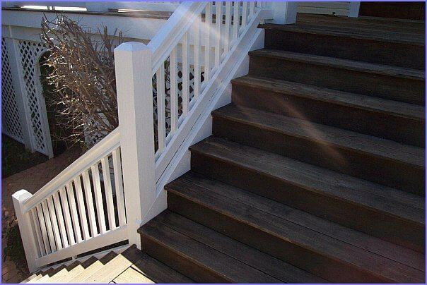 Springer front steps and handrail